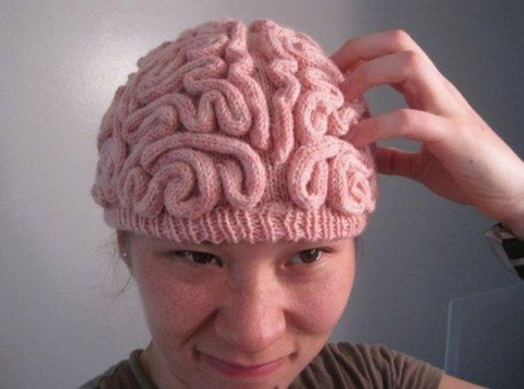 site credit: www.tywkiwdbi.blogspot.com/2012/01/knitted-brain-hat-and-skull-cup