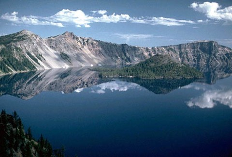 Crater_Lake, site credit: www.hilo.hawaii.edu