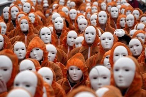 masks, site credit: http://www.catastrofe.it/teorie-e-possibili-scenari-sul-2012/36-scenari-possibili-2012.html