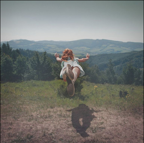 http://favim.com/image/104963/, chucks-converse-dream-flying-girl-scenery-Favim.com-104963