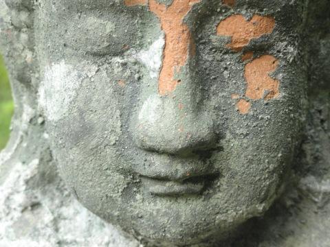 wabi-sabi, buddha face, site credit: eimagination.blogspot.com/2012/07/wabi-sabi.html