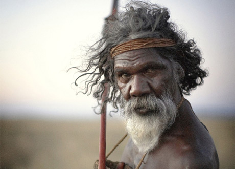 australia-aborigines, site credit: http://theburtonwire.com/2013/02/15/politics/australia-passes-bill-to-officially-recognize-indigenous-population/attachment/australia-aborigines-460/